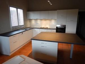 pose-cuisines-installation-renovation-salle-de-bain-multi-services-dressing-placards-np-multiservices-com-40